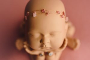 diadema atrezzo newborn crystal headband bead 47 300x200 - The Book of Poses (English)